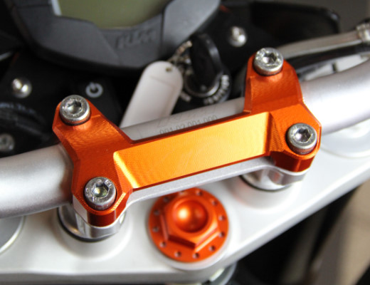 KTM DUKE ハンドルポスト ハンドルクランプ