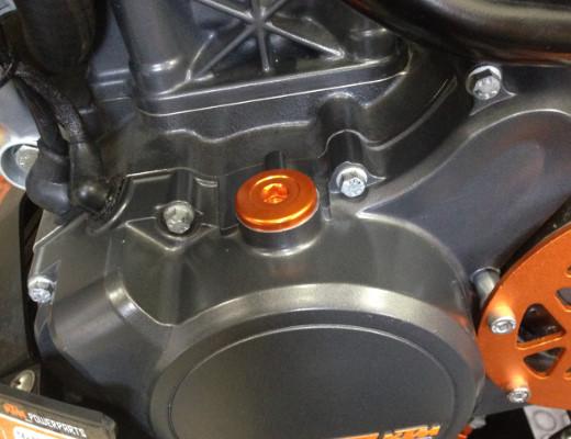 KTM DUKE タイミングプラグキャップ