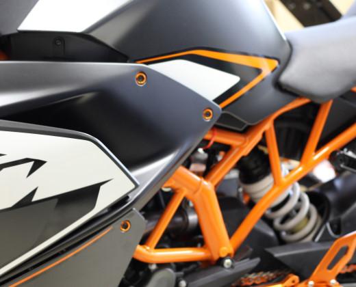 KTM RC カウルカラー