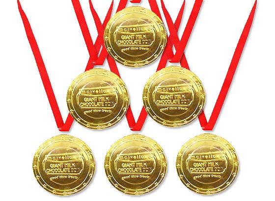 【駄菓子のまとめ買い・チョコ系の駄菓子】 金メダルチョコ(18個入)