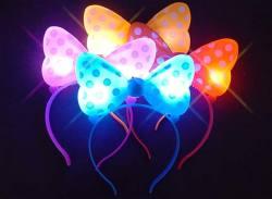 【景品玩具まとめ買い・光るおもちゃのまとめ買い】 光る 水玉リボンカチューシャ(12個入)