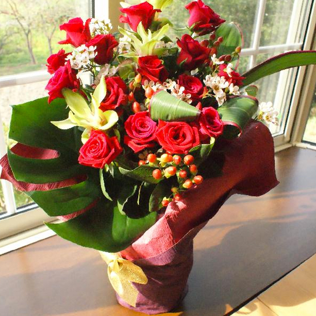花瓶のいらない花束3000円A(花瓶のいらない花束)◆