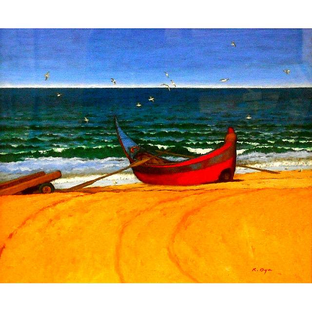 大矢邦昭の油絵、海辺。ポルトガルの海辺。舳先の反り上がった小舟が波打ち際に。無数のかもめが飛んでいる。