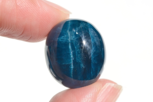 ブルーアパタイト キャッツアイ【39】天然石ルース・カボション(18×16mm)