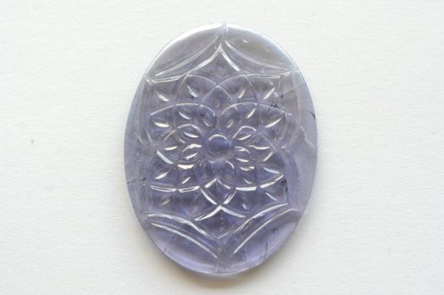アイオライト(カービング)【7】天然石ルース・カボション (41.5×31.5mm)