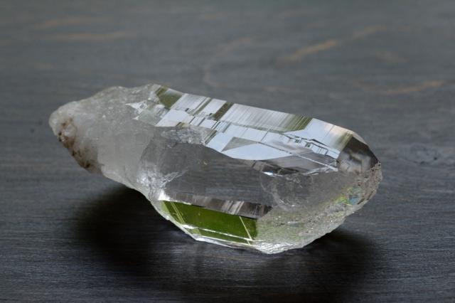 ヒマラヤ・ガネーシュヒマール産水晶 ポイント/原石【2】(79×28×31mm)
