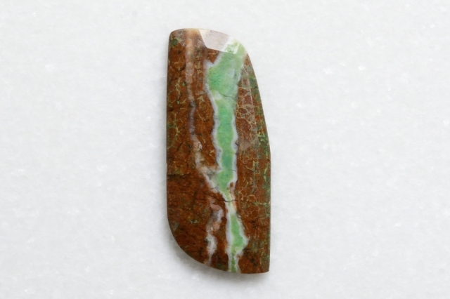 クリソプレーズ母岩付【8】 天然石ルース・カボション (35×15mm)