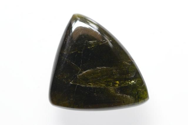 グリーントルマリン【4】天然石ルース・カボション(25×30.5mm)