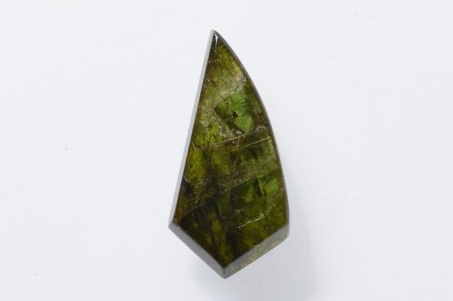 グリーントルマリン【7】天然石ルース・カボション(27×13mm)
