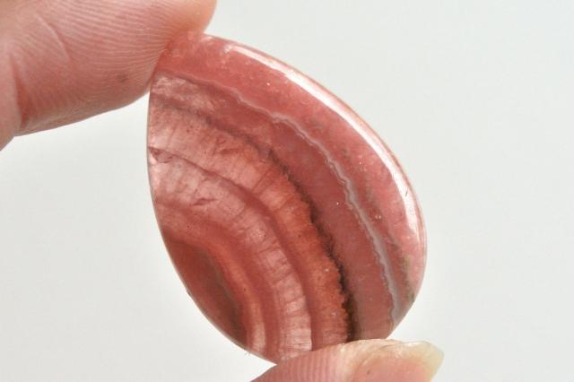 インカローズ(ロードクロサイト)【1】天然石ルース・カボション(29.5×35mm)