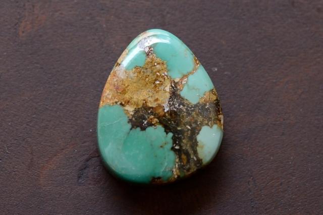 イラン産(ペルシャ)ターコイズ【20】天然石ルース・カボション(18×15mm)