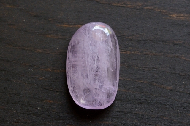 クンツァイト【4】天然石ルース・カボション(25×15mm)