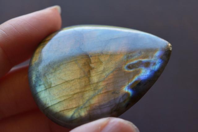 ラブラドライト【14】 天然石ルース・カボション (18.5×18.5mm)