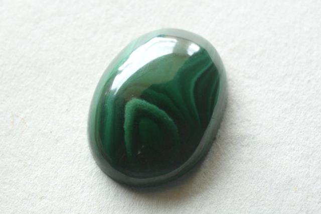 マラカイト【2】天然石ルース・カボション (36.5×29.5mm)