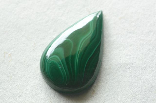 マラカイト【5】天然石ルース・カボション (34.5×22mm)