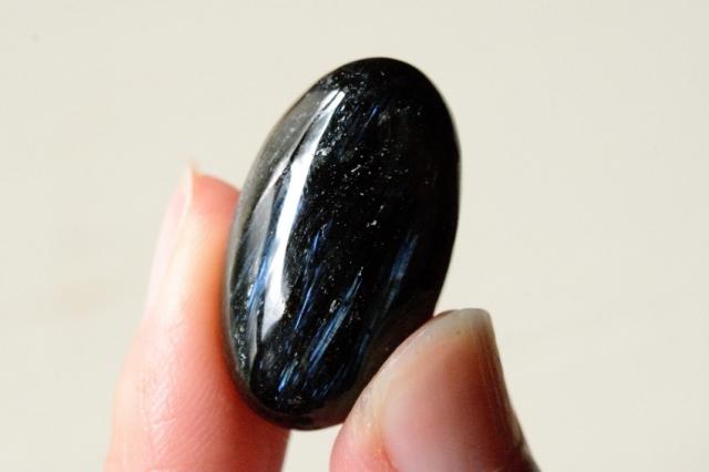 アルベゾナイト【14】天然石ルース・カボション(27×15.5mm)