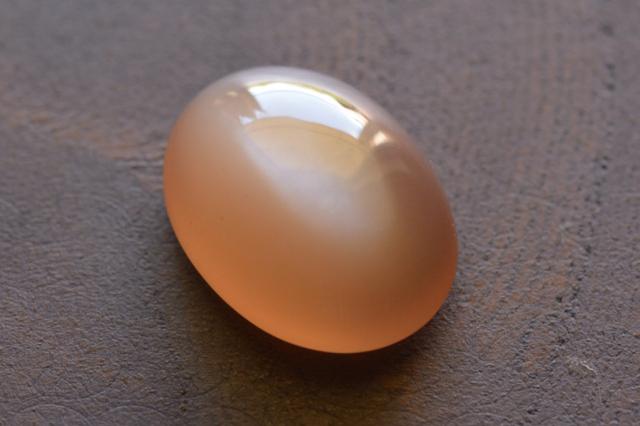 オレンジムーンストーン【3】ルース・カボション(14.5×11mm)