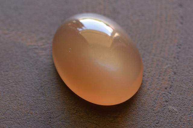 オレンジムーンストーン【4】ルース・カボション(15×11.5mm)