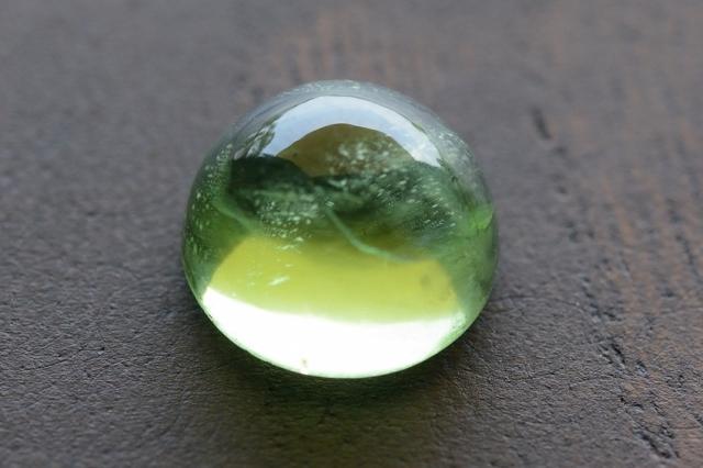 ペリドット【1】天然石ルース・カボション  (9×9mm)