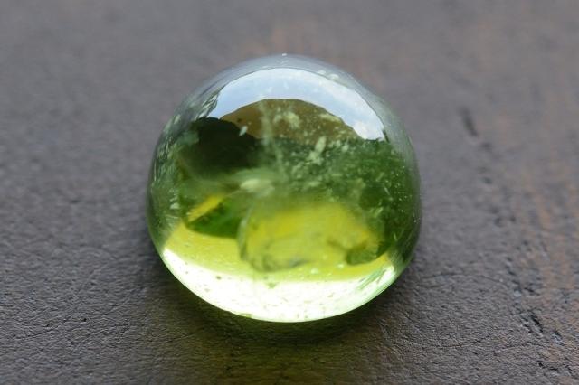 ペリドット【2】天然石ルース・カボション  (9×9mm)
