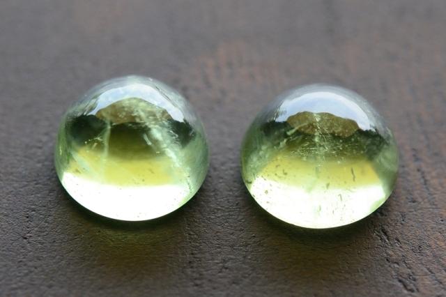 ペリドット・2石セット【10】天然石ルース・カボション (8×8mm) (8×8mm)