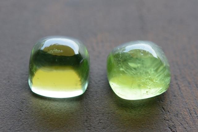 ペリドット・2石セット【15】天然石ルース・カボション (8×8mm) (8×8mm)