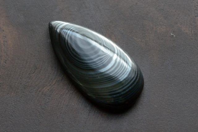 サイロメレーン【3】天然石ルース・カボション(31×15.5mm)