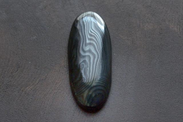 サイロメレーン【6】天然石ルース・カボション(26×10.5mm)