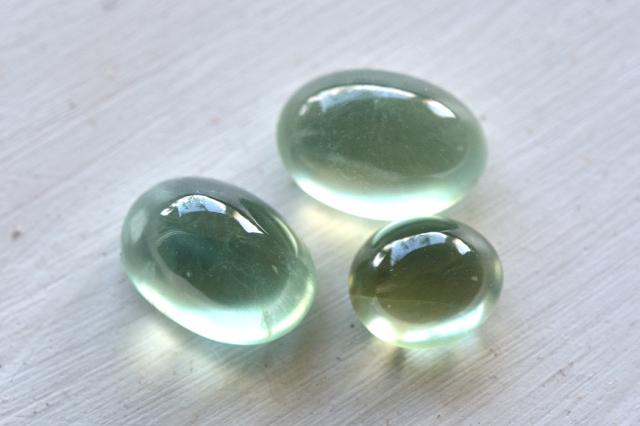 プレナイト【12】天然石ルース・カボション(22×14mm)