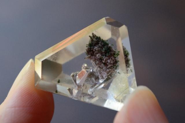 クォーツインクォーツ(貫入水晶)【14】天然石ルース・カボション(23.5×22.5mm)