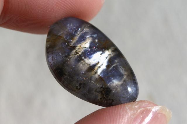 アイオライト(シルバーシーン)【7】天然石ルース・カボション(30.5×21.5mm)