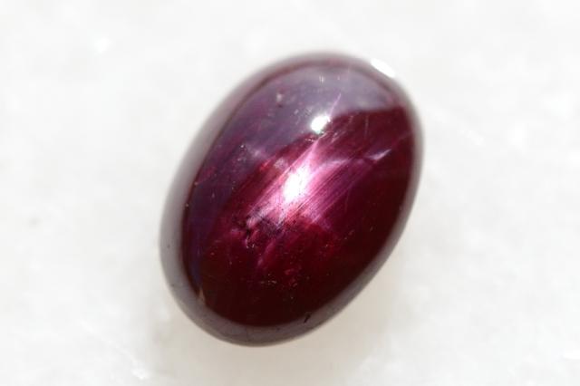 スタールビー【15】天然石ルース・カボション(14.5×10.5mm)