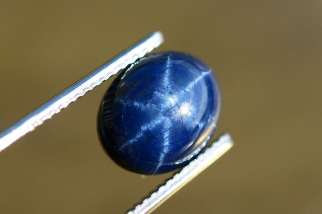 ブルースターサファイヤ【4】天然石ルース・カボション(10.5×8.5mm)