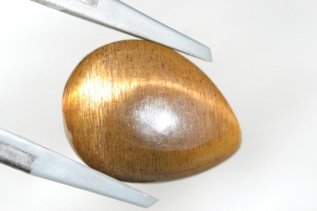 ブラックサンストーン・キャッツアイ【66】天然石ルース・カボション(16×12mm)