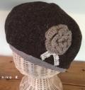 花付きウールベレー帽子(ブラウン)