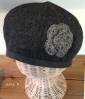 花付きウール裏オーガニックベレー帽子(ダークグレー)