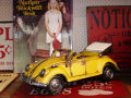 TIN TOY  /  BEETLE  CABRIOLET