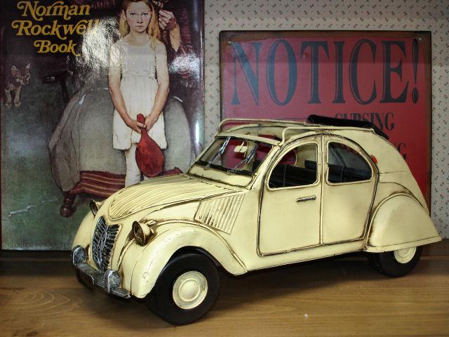 TIN TOY  /  FRENCH CAR
