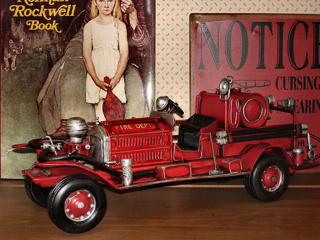 TIN TOY / PUMPER