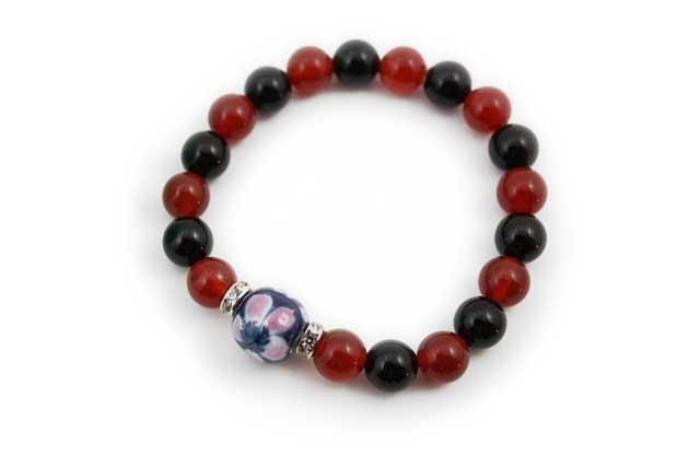 有田焼と天然石のブレスレット(Arvo) 染錦桜メノウオニキス