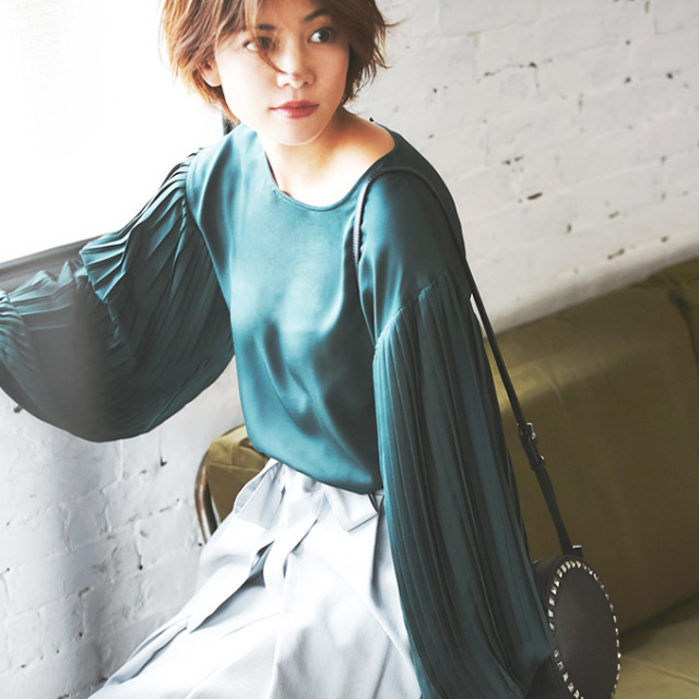 【Pleats sleeve blouse】プリーツスリーブ ブラウス