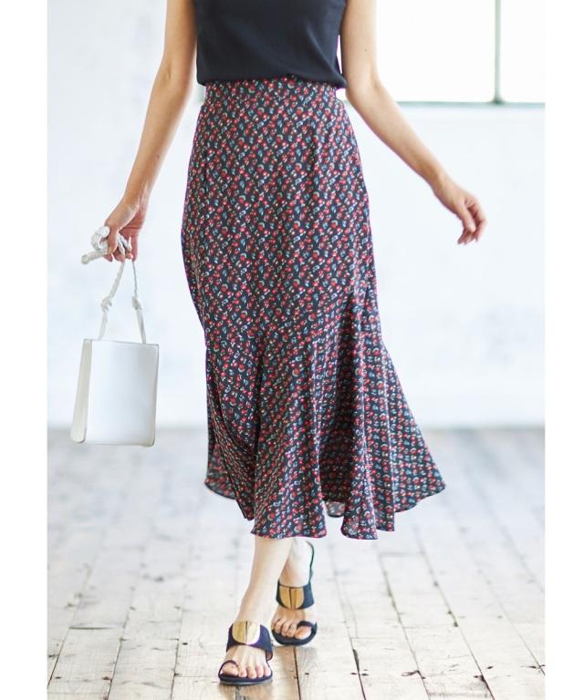 裾フレア小花柄プリントスカート