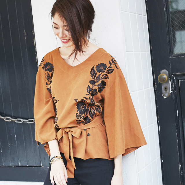 【Flower embroidery wide sleeve blouse】フラワー刺繍 ワイドスリーブ トップス