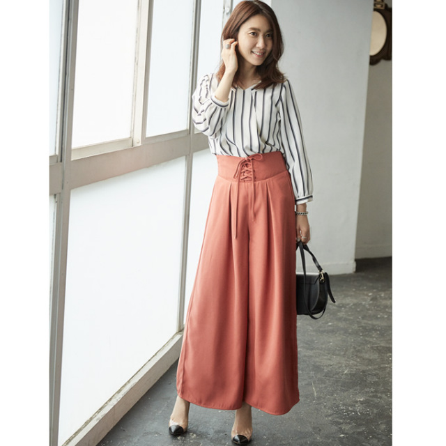 【Lace up wide pants】東原妙子さん着用 レースアップ ワイド パンツ