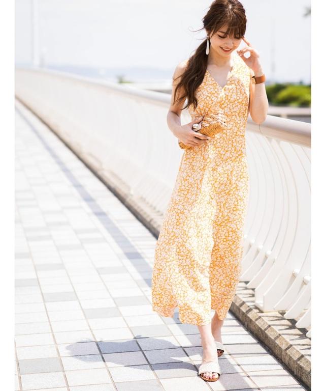 《@n.airi_taitoさん着用》小花柄Vネックワンピース