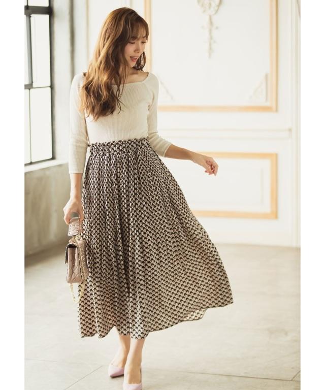 【岡部あゆみさん着用】オフプリーツ幾何学模様スカート