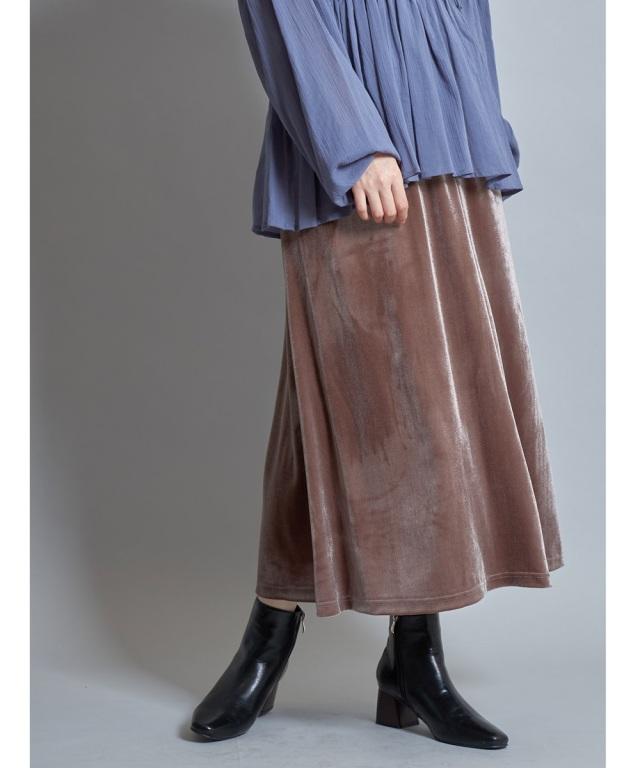 バックスリットベロアフレアスカート