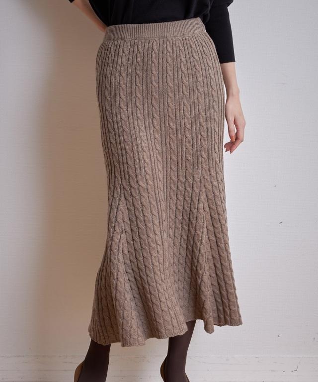 ケーブル編みニットスカート《一部店舗のみ入荷》