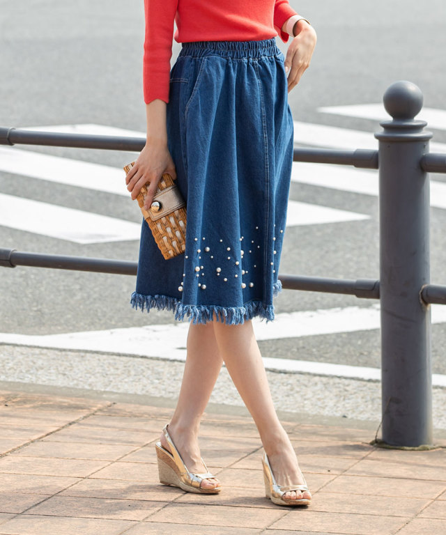 《WEB限定》パール付き裾フリンジデニムスカート