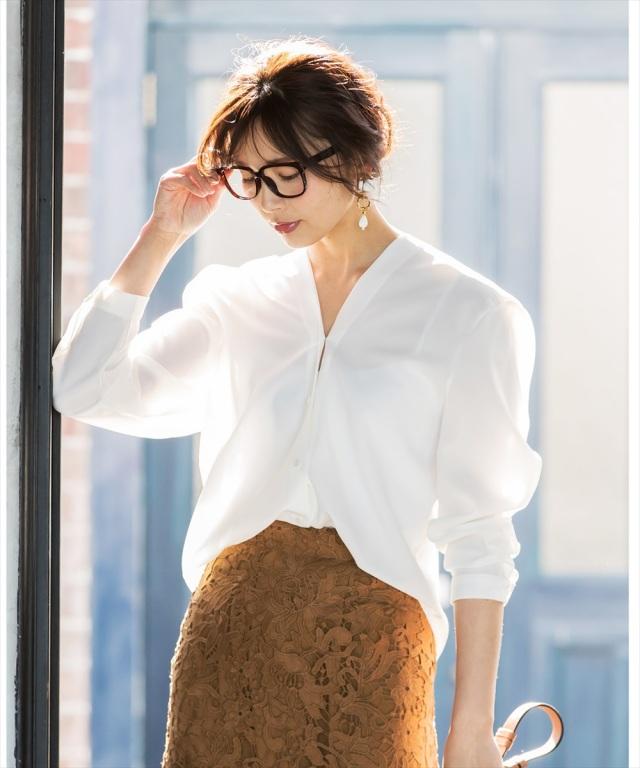 バックリボン抜き衿シャツ*SALE品につき返品/交換/注文確定後の変更キャンセル不可*